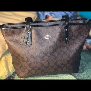 LIKE NEW AUTHENTIC Leather Coach Totes Purse LARGE
